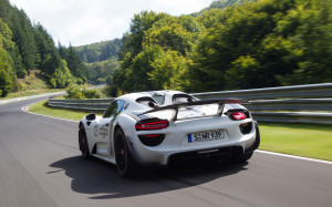 2012-Porsche-918-Spyder-Prototype-on-Nurburgring-Motion-4-1920x1440